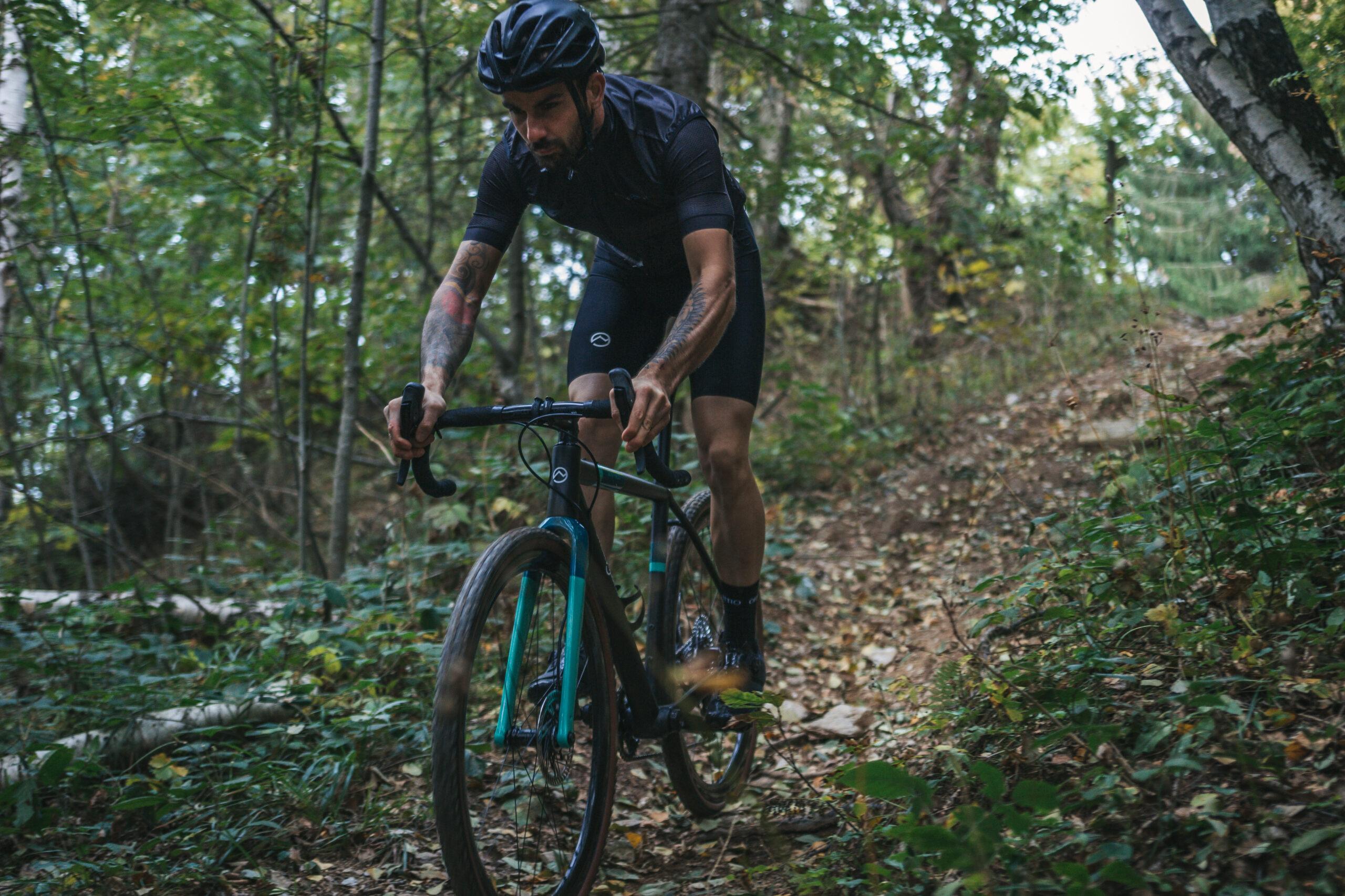 2 - Gravel Bike